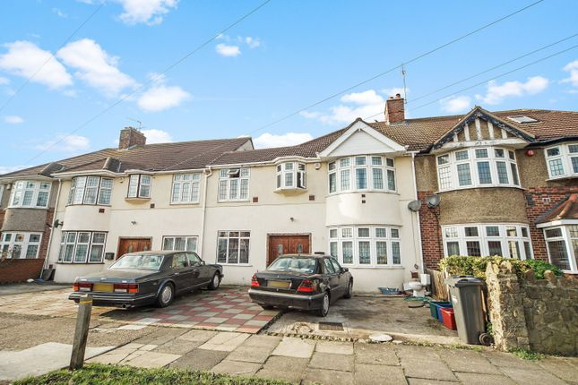 Thumbnail Terraced house for sale in Burns Way, Hounslow, Middlesex