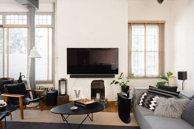 Thumbnail Duplex to rent in Vauxhall Grove, London