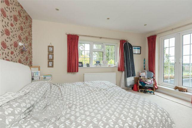 Picture No. 14 of Bulstrode Lane, Felden, Hemel Hempstead, Hertfordshire HP3
