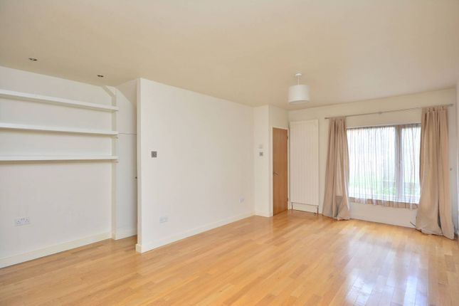 Thumbnail Terraced house to rent in Cowper Road, North Kingston