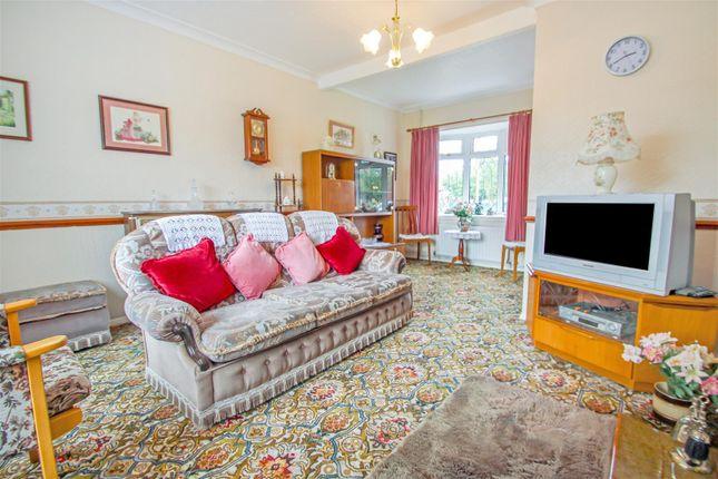 Lounge of Mere Dyke Road, Luddington, Scunthorpe DN17