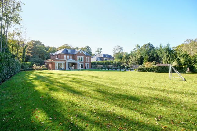 Thumbnail Detached house for sale in Broadwater Close, Burwood Park, Hersham, Walton-On-Thames