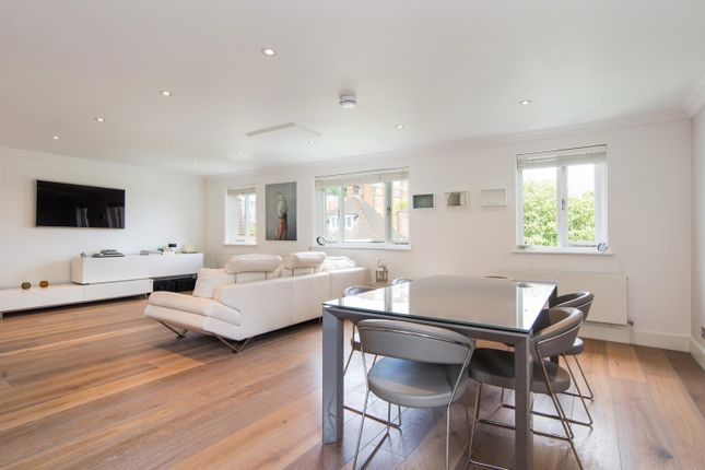 3 bed flat for sale in Crediton Hill, London