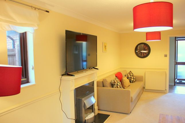 Thumbnail Flat to rent in 100 Appletrees, Bar Hill, Cambridge
