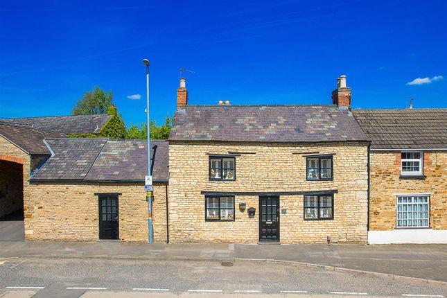 Thumbnail Cottage for sale in Kettering Road, Burton Latimer