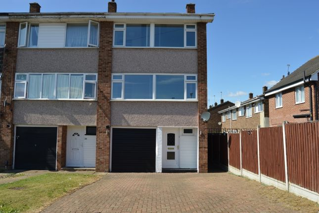 Thumbnail Town house to rent in Cowdray Way, Hornchurch