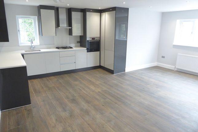 Thumbnail Flat to rent in New Road, Basingstoke