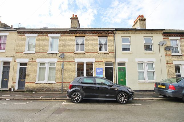 Thumbnail Terraced house to rent in Catharine Street, Cambridge