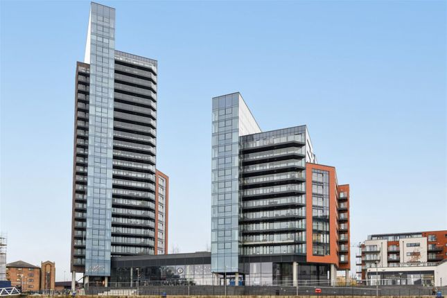 Thumbnail Flat to rent in The Moresby Tower, Admirals Quay, Southampton
