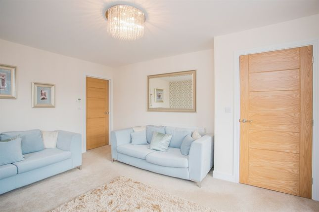 Thumbnail Town house for sale in Hardy Close, Kimberley, Nottingham