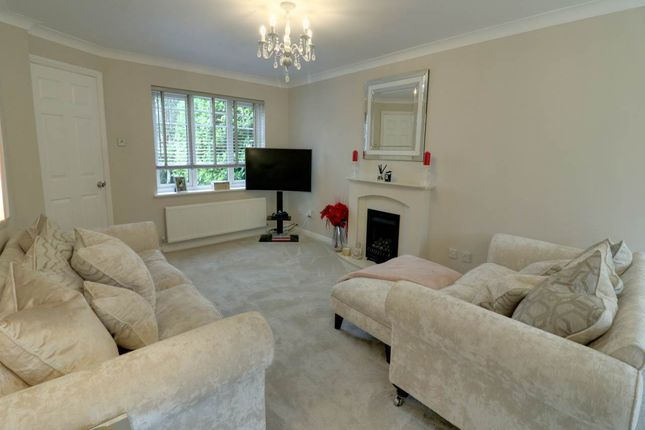 Lounge of Fair Holme View, Armthorpe, Doncaster DN3