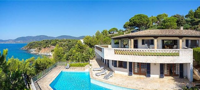 Thumbnail Villa for sale in Waterfront Property, Gigaro, La Croix-Valmer, Provence, France