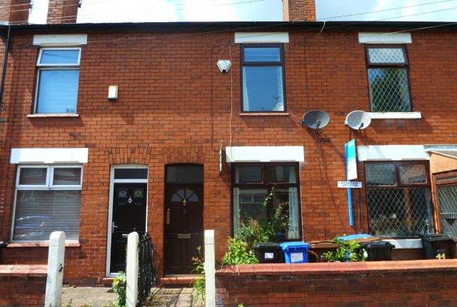 Thumbnail Terraced house to rent in Stanley Avenue, Hazel Grove, Stockport