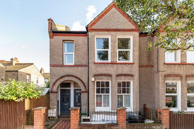 3 bed maisonette for sale in Quinton Street, London SW18