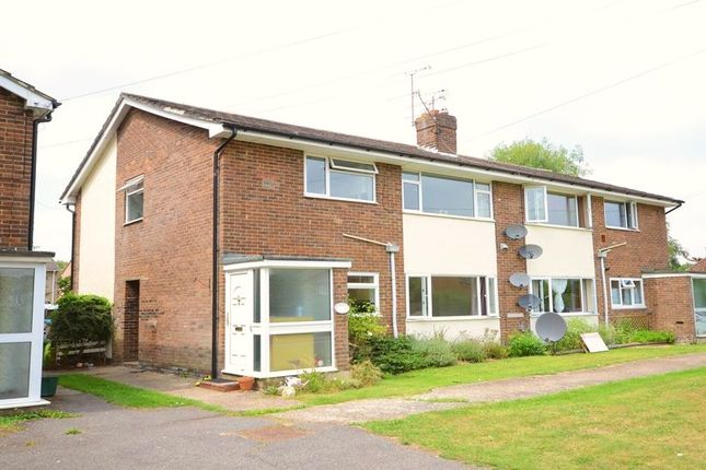 2 bed maisonette to rent in Owlsmoor Road, Owlsmoor, Sandhurst GU47