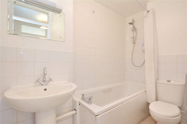 Bathroom of Willowcroft, Lee Park, Blackheath, London SE3