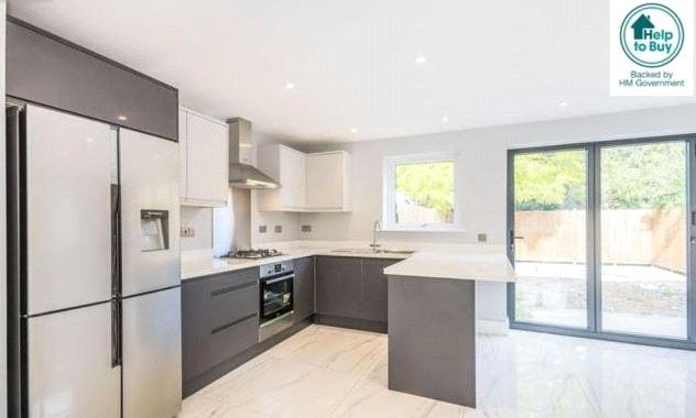 Thumbnail Bungalow for sale in Morland Avenue, Addiscombe, Croydon