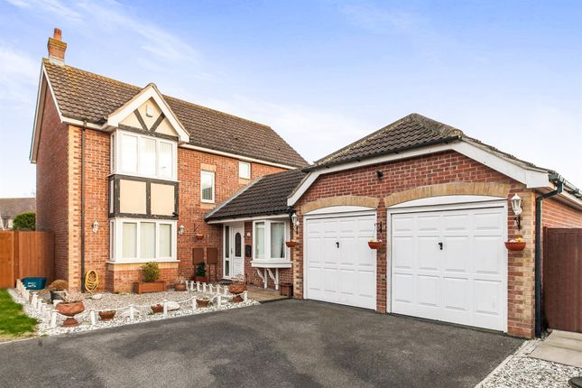 Thumbnail Detached house for sale in Curlew Avenue, Mayland, Chelmsford