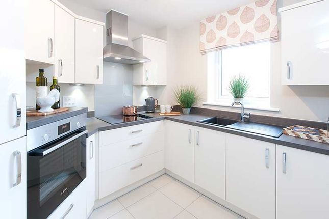 2 bedroom flat for sale in High Street, Hanham, Bristol
