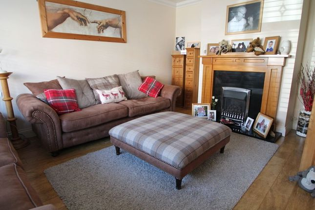 Living Room of Chapter Road, Strood, Rochester ME2