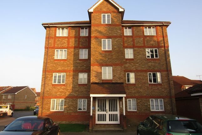 Thumbnail Flat to rent in Fairway Drive, Thamesmead