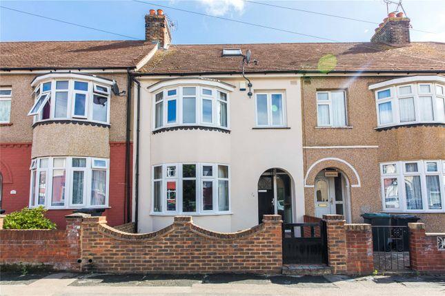 Picture No. 33 of Robinia Avenue, Northfleet, Kent DA11