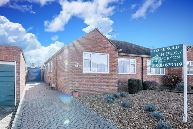 Thumbnail Bungalow for sale in Portfields Road, Newport Pagnell