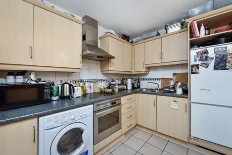 Kitchen of Prescot Street, London E1