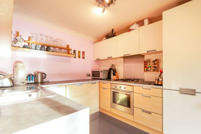 Thumbnail Town house for sale in Kennet Street, London