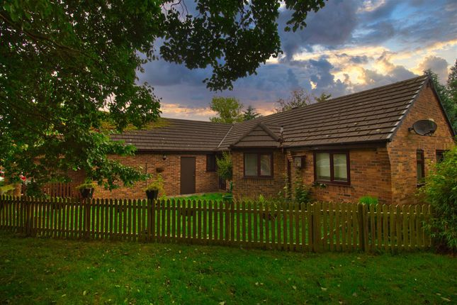 3 bed semi-detached house for sale in Merehaven Close, Pickmere, Knutsford WA16
