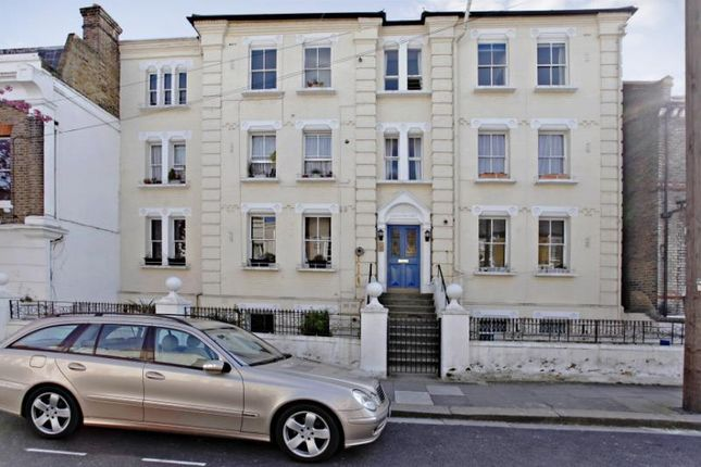 1 bed flat to rent in Grosvenor Court, Irving Road, Brook Green, London W14
