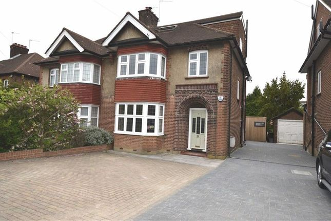 Thumbnail Property for sale in Offham Slope, London
