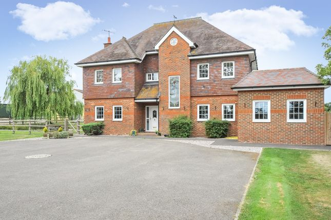 Thumbnail Detached house to rent in Buttons Mead Farm, Tandridge Lane, Lingfield