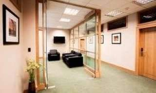 Serviced office to let in Mcdonald Road, Edinburgh