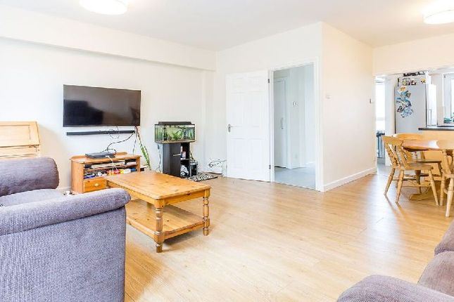 Thumbnail Flat to rent in Viceroy Close, East End Road, London