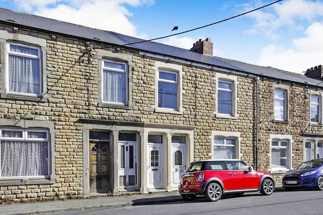 Thumbnail Flat to rent in Gladstone Street, Consett