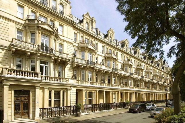 Thumbnail Flat for sale in Cambridge Gate, Regents Park