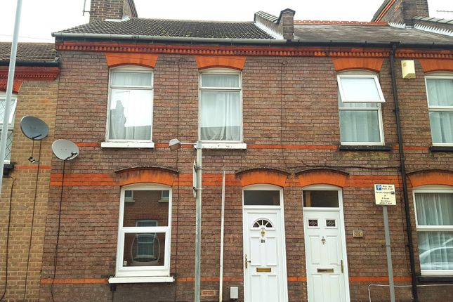 3 bed terraced house for sale in Baker Street, Luton