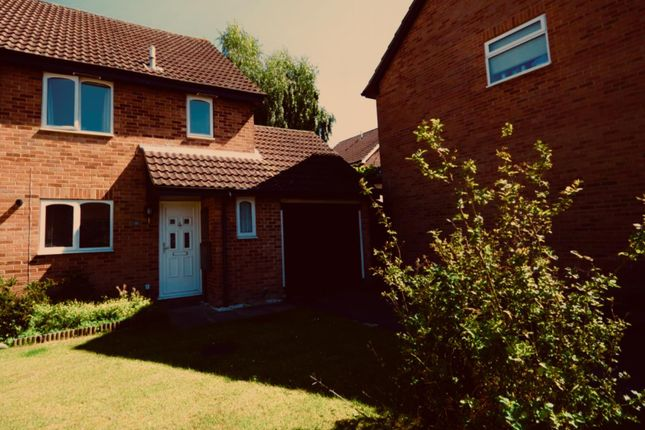 Thumbnail Semi-detached house to rent in Paterson Close, Basingstoke