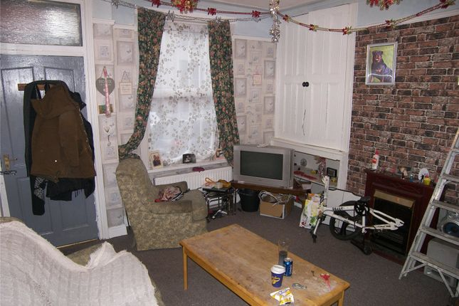 Picture No. 02 of Crosby Place, Leeds, West Yorkshire LS11
