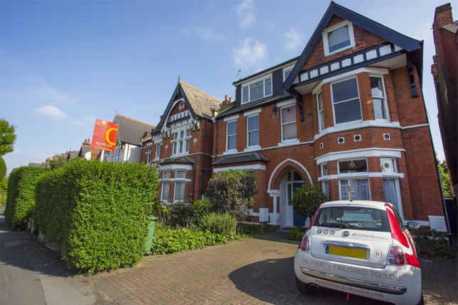 1 bed flat to rent in Gordon Road, London
