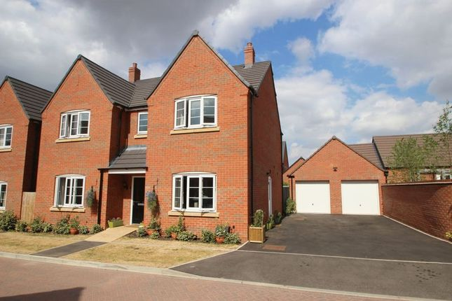 Thumbnail Detached house for sale in Bosworth Avenue, Stratford-Upon-Avon
