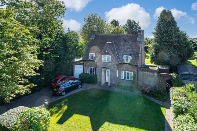Thumbnail Detached house for sale in School Close, High Wycombe