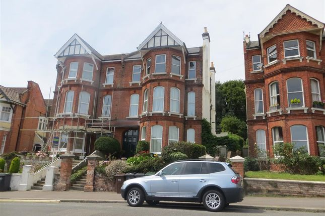 2 bed flat to rent in Linton Road, Hastings TN34