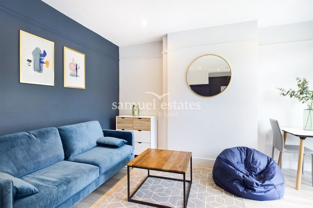 Thumbnail Terraced house to rent in Fairway, London