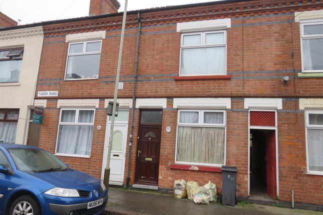 2 bed property to rent in Tudor Road, Leicester