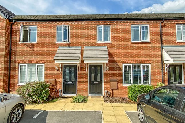Thumbnail Terraced house for sale in Pease Close, Warwick