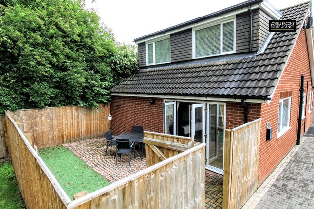 Thumbnail Bungalow for sale in Welholme Avenue, Grimsby