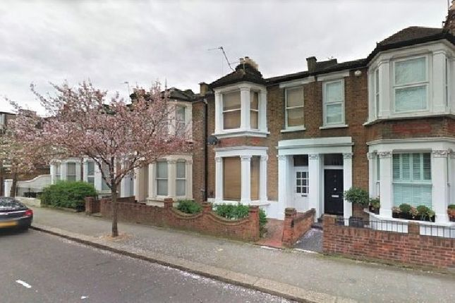 4 bed property to rent in Brewster Gardens, London