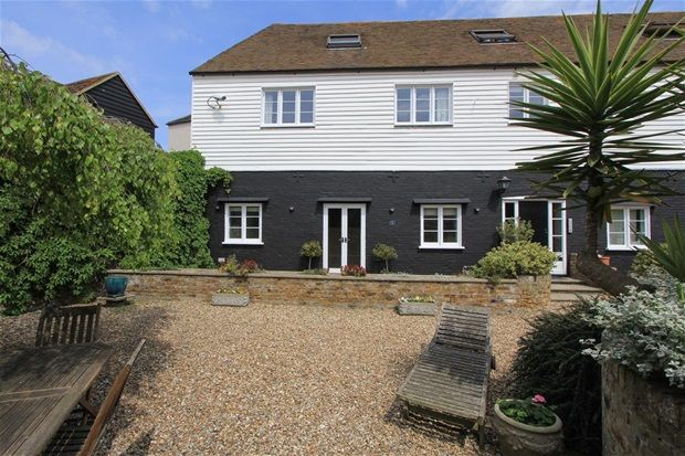 Thumbnail Flat to rent in Sea Street, Whitstable